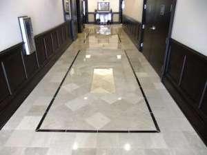 Раскладка плитки на полу в прихожей