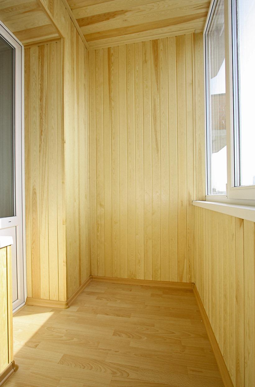 Внутренняя отделка деревом квартиры или дома.
