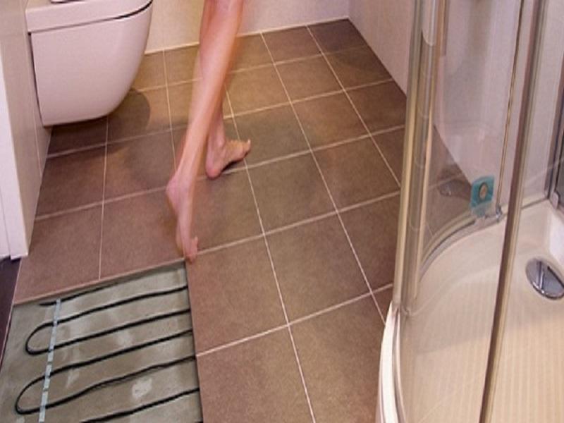 Как сделать тёплые полы в ванной в деревянном доме