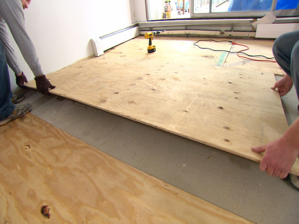 Постелить линолеум на деревянный пол 115