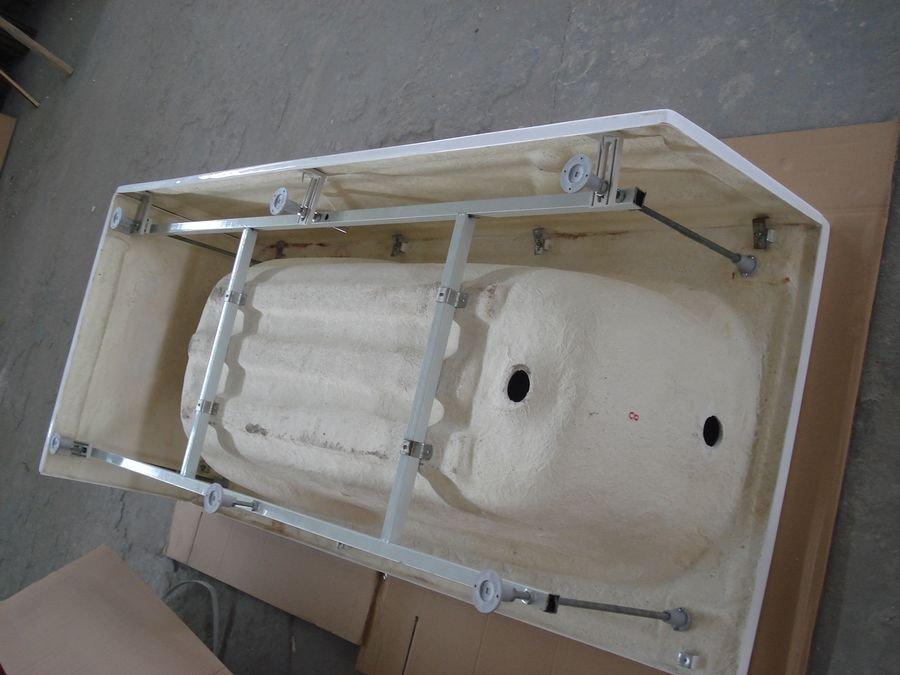Заводской каркас акриловой ванны