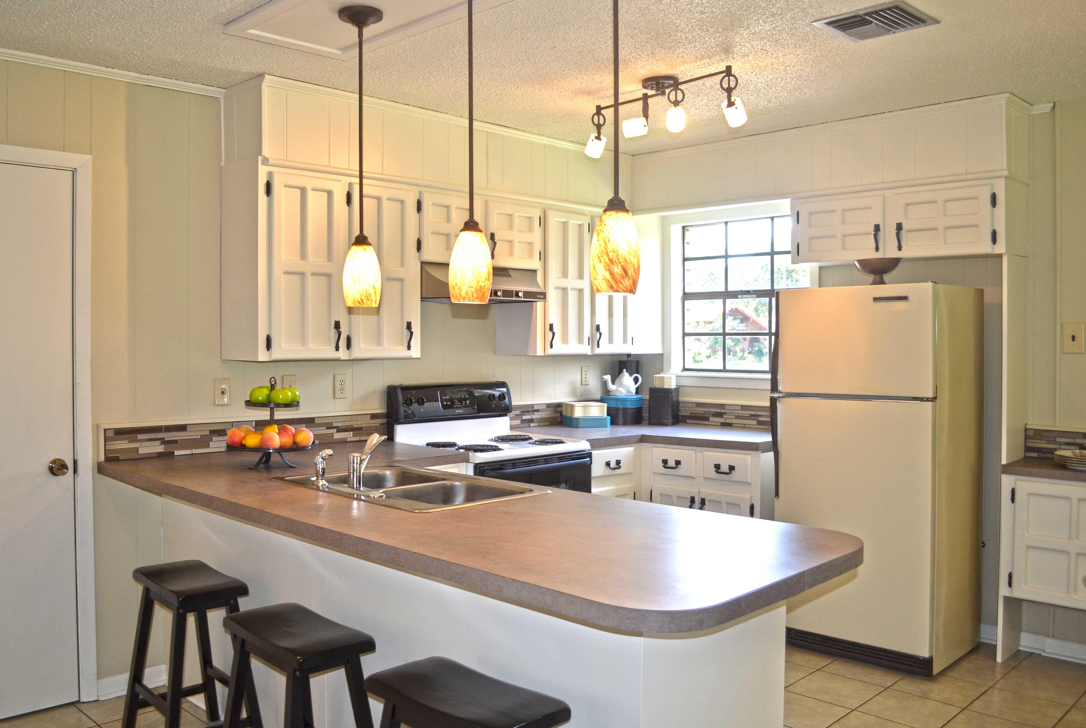 Интерьер кухни 10 кв м с барной стойкой фото