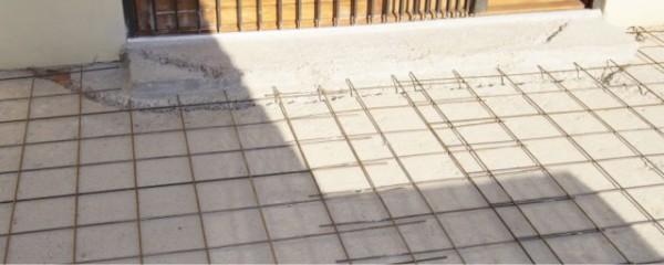 Как правильно армировать стяжку металлической сеткой