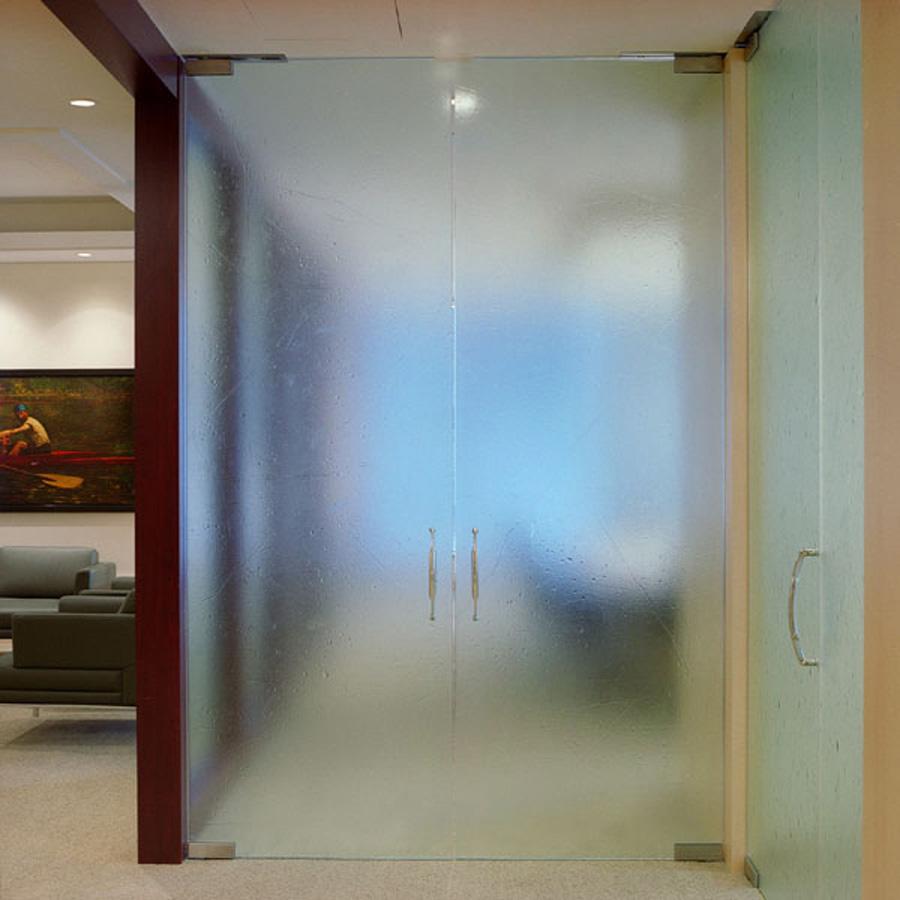 Хотите приобрести стеклянные двери?