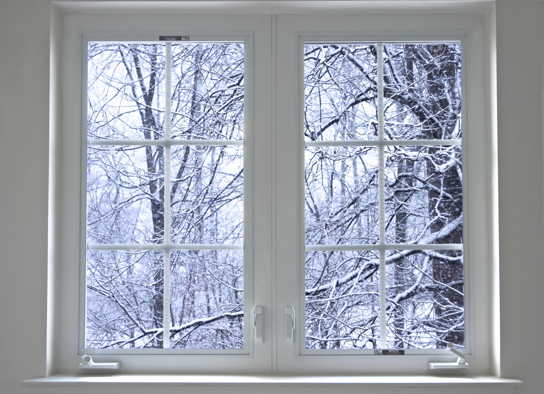 картинки с зимними окнами черно-белые фотографии