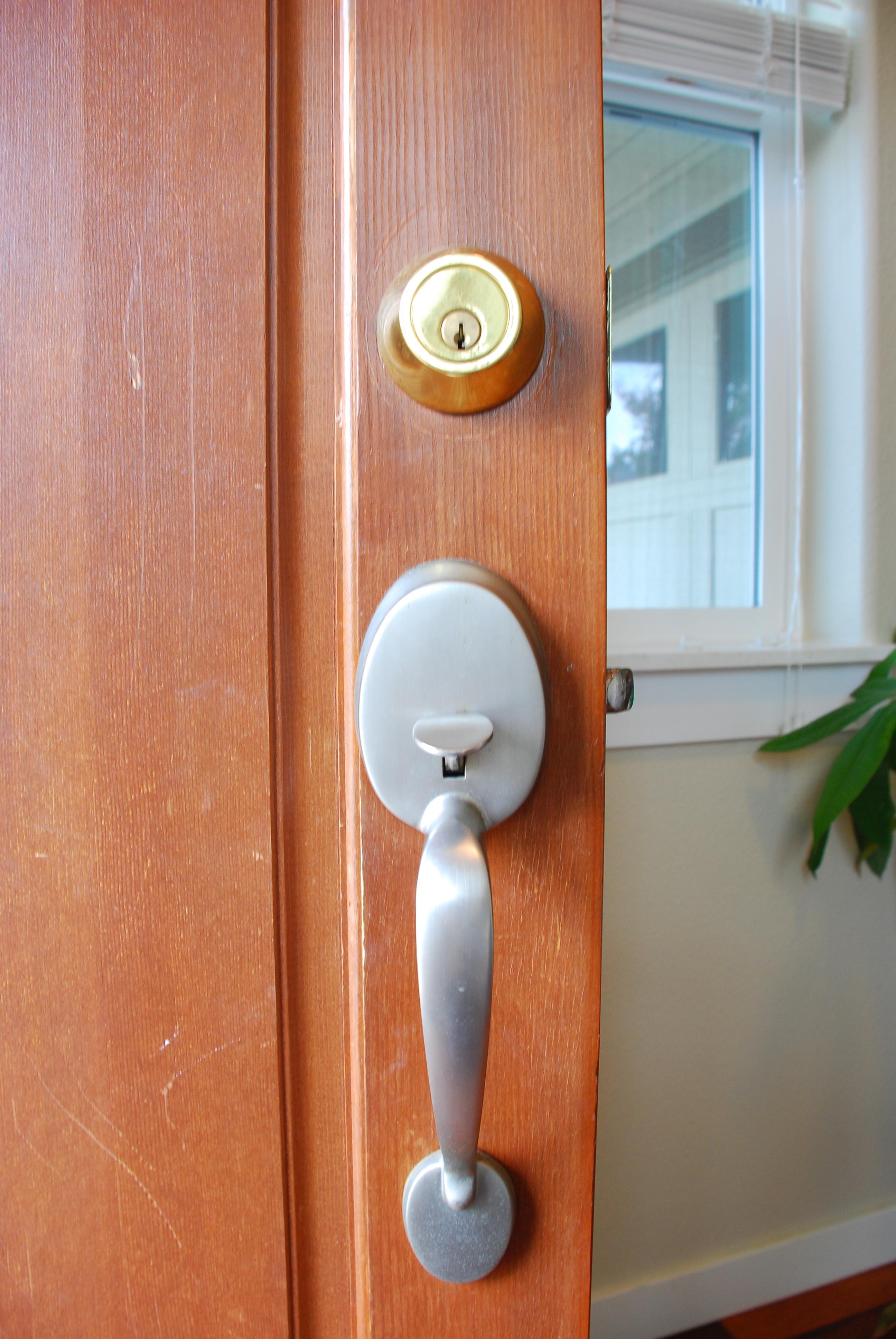 ремонт дверных ручек входных дверей виды механизмов
